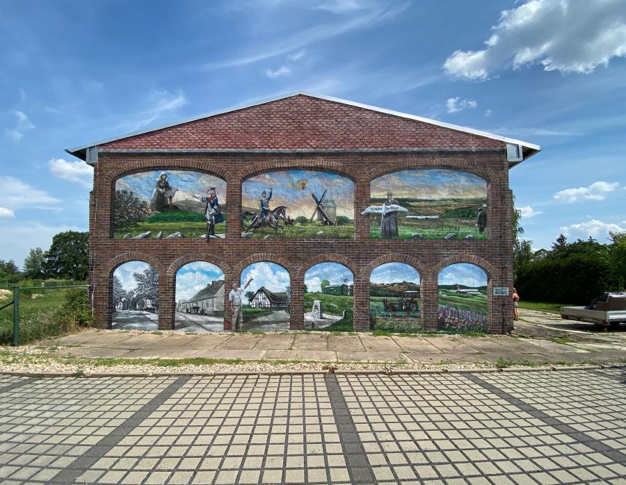 Großes Wandgemälde Lilienthalmuseum Stölln