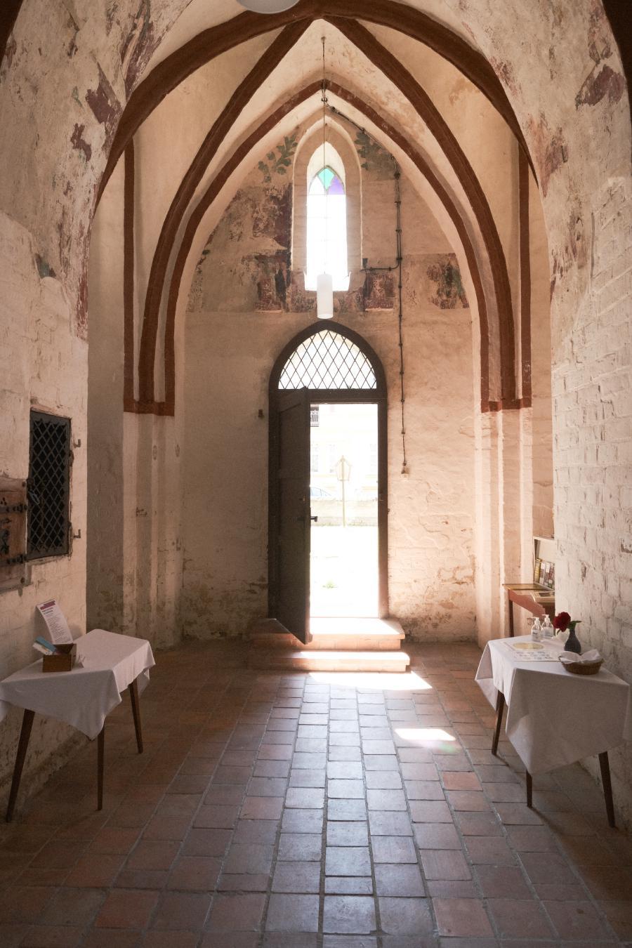 Wallfahrtskirche Tremmen, Eingangsbereich