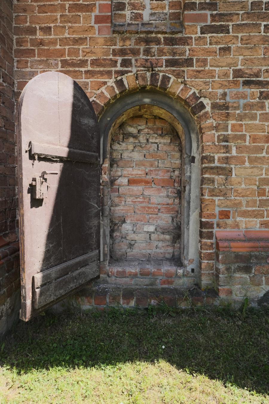 Wallfahrtskirche Tremmen, zugemauerte Tür