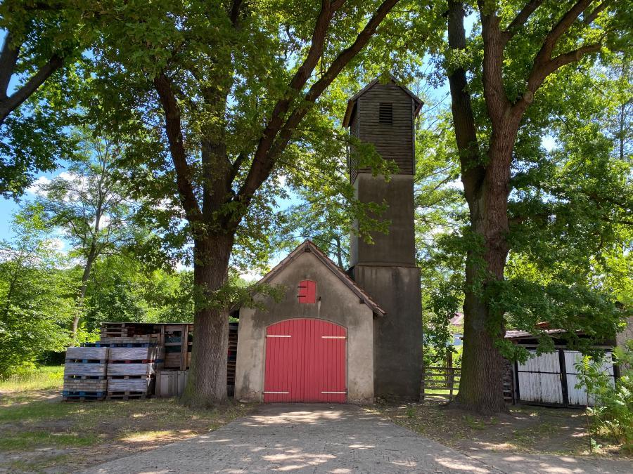 Mini Feuerwache mit Schlauchturm in Baitz