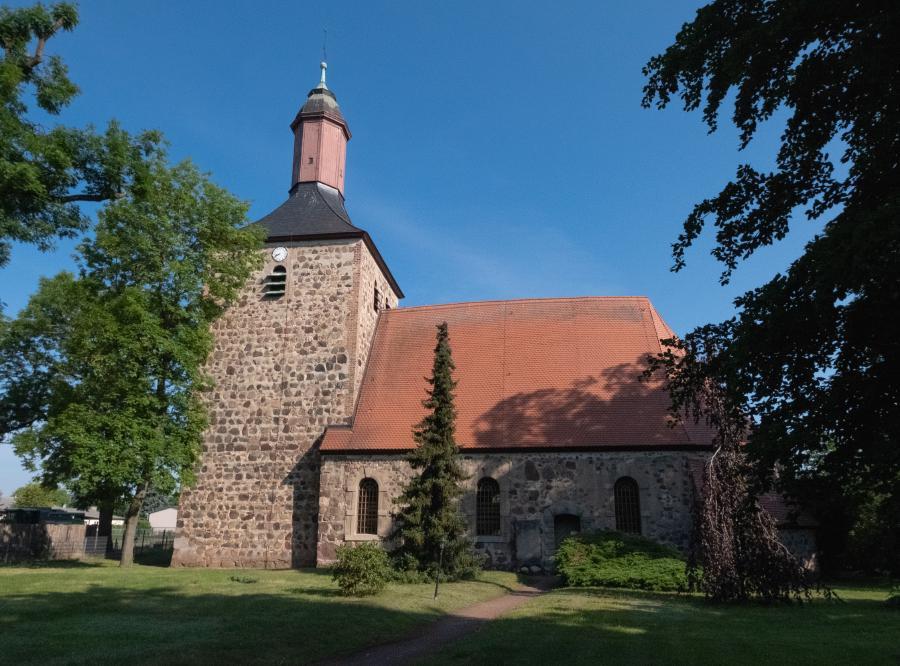 Außenansicht Kirche Bötzow