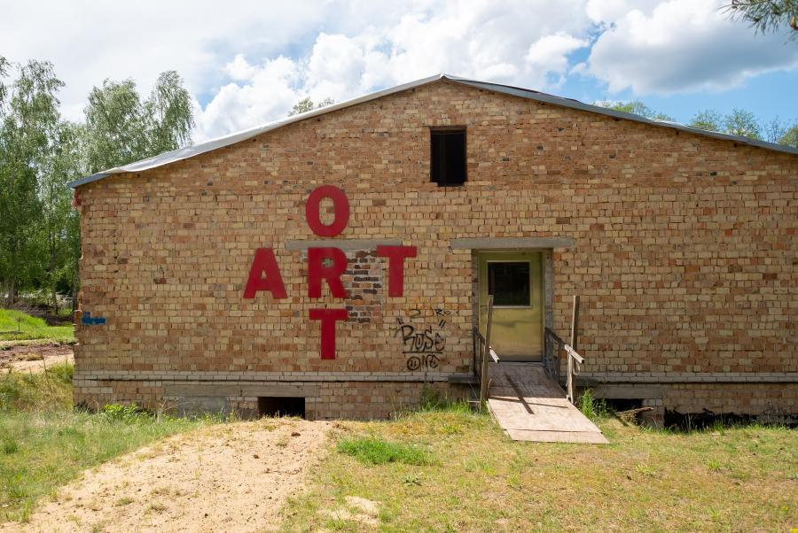 ART ORT - Baustelle am Ufercafe am See
