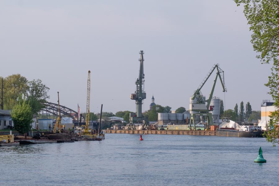 Blick auf den Südhafen, Tiefwerder Wiesen, Spandau