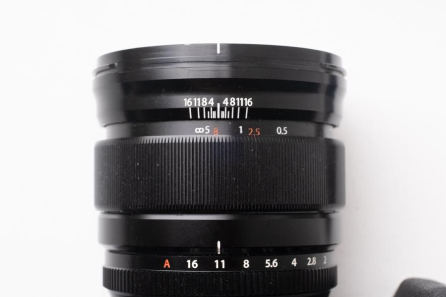 Fuji 16mm 1.4; Schärfebereich von etwa 1m-∞ bei Blende 11